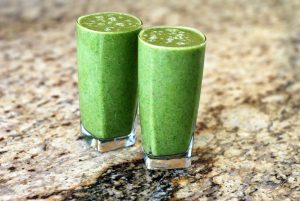 powerful-woman-smoothie